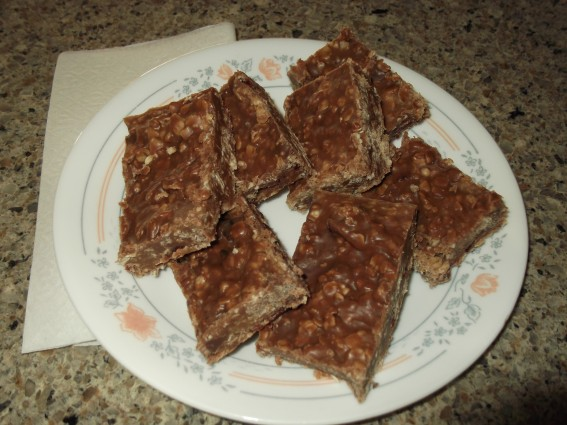 Cornect Family Farm - Oatmeal Chocolate Peanut Butter No-Bake Candy Bars